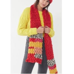 New UO Chunky Knit Scarf